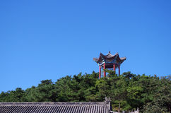 Pavillon sur la colline Photographie stock libre de droits