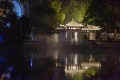Pavillon und Terrasse-Ruzi Pavillon-Parknacht Lizenzfreies Stockfoto