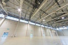Pavillon vide spacieux MosExpo pour un salon automobile photographie stock libre de droits