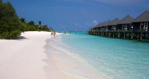Pavillons sur une île tropicale Photos stock