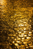 Pavimentación de oro Fotos de archivo libres de regalías