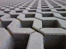 Pavimentadoras permeables concretas de la rejilla, primer fotografía de archivo