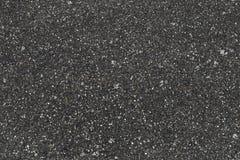 Pavimentazione di strada rurale, asfalto ruvido scuro immagine stock libera da diritti