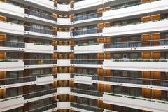 Pavimenti dell'hotel sotto ed atrio Fotografie Stock