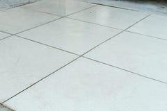 Pavimento bianco di terrazzo del cemento Immagini Stock