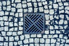 Pavimento com dreno Cidade velha Fotografia de Stock