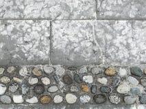 Pavimento da pedra de pavimentação e dos seixos Fotografia de Stock