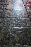 Pavimento de piedra viejo en noche Fotografía de archivo libre de regalías
