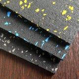 Pavimento della gomma dell'attrezzatura della palestra Fotografia Stock