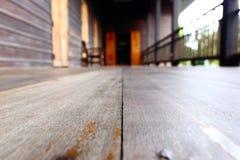 Pavimento di legno all'aperto d'annata, dettaglio come pioggia del sole del tempo Immagine Stock Libera da Diritti