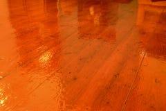 Pavimento di legno altamente lucidato Immagine Stock