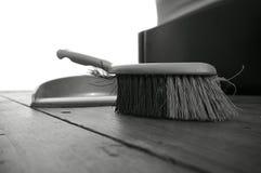 Pavimento di legno A della spazzola di paletta per la spazzatura Fotografie Stock Libere da Diritti