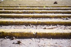 Pavimento do braile - superfície de pavimentação tátil perspective imagem de stock royalty free
