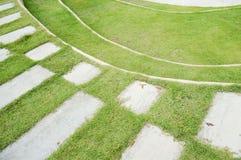 pavimento no jardim Fotos de Stock Royalty Free