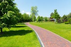 Pavimento no parque Imagens de Stock Royalty Free