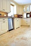 Pavimento non tappezzato in cucina moderna Immagine Stock Libera da Diritti
