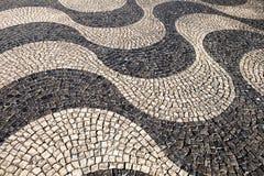 pavimento português do Tradicional-estilo em Lisboa foto de stock royalty free