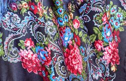 Pavloposadsky chusta z krajowym rosjanina wzorem Tło od tkaniny z kwiatu ornamentem fotografia stock