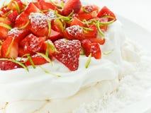 pavlova草莓 免版税库存照片