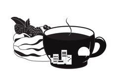 Pavlova чашки кофе и торта стоковые изображения rf