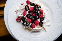 Pavlova cake with berries Royalty Free Stock Images