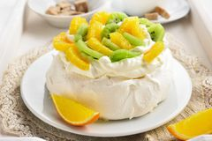 Pavlova meringue cake Royalty Free Stock Photo