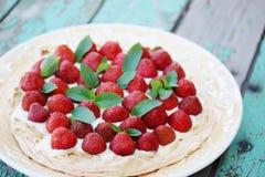 Pavlova with strawberries Royalty Free Stock Photos