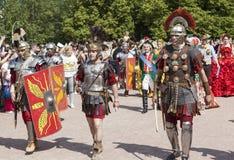 PAVLOVSK,俄罗斯- 2015年7月18日:照片第五个马其顿军队(Legio v Macedonica) 免版税库存照片