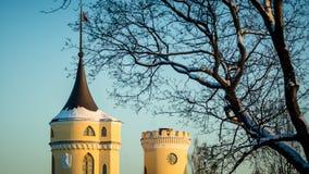 PAVLOVSK, ST 彼得斯堡,俄罗斯- 2018年2月21日:对Bip城堡的看法在一春天天 城堡在1795-179被修造了 库存图片