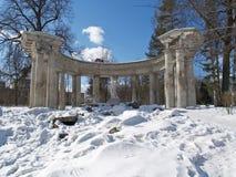 Pavlovsk La colonnade d'Apollo en parc d'hiver photo libre de droits
