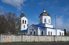 PAVLOVSK RYSSLAND - 24 APRIL 2017: Tempel av den Kazan symbolen av modern av guden Arkivbild