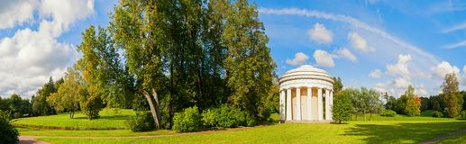 Pavlovsk, St Petersburg, Russland Der Tempel der Freundschaft in Pavlovsk, St Petersburg, Russland, Panoramaansicht Stockfoto