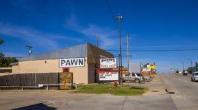 Pawn shoppar på Route66 i Oklahoma - STROUD - OKLAHOMA - OKTOBER 16, 2017 Arkivfoton