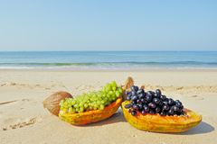 Pawpaw and grape Royalty Free Stock Photography