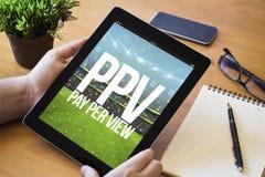 pay per view em linha da tabuleta do desktop Foto de Stock