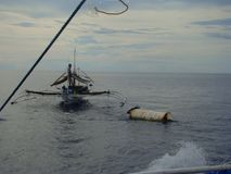 Payaos de las novedades usados por la industria pesquera artesanal de la línea para el atún de trucha salmonada en las Filipinas fotografía de archivo libre de regalías