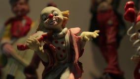 Payaso Figurine Violin almacen de metraje de vídeo