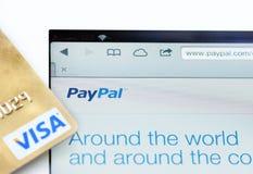 Paypal och visum WWW Royaltyfria Foton