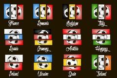 Pays et ballons de football de drapeaux Photos stock