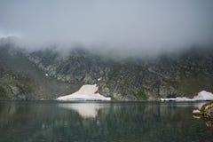 Paysage étonnant du lac eye, les sept lacs Rila Photo libre de droits