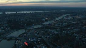 Paysage aérien de pont de Manhattan au crépuscule clips vidéos
