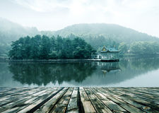 Paysage alpin de lac Photos libres de droits