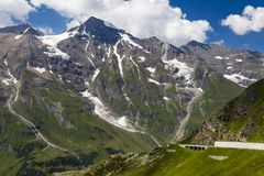 Paysage alpin de montagne à l'été Alpes autrichiens photo stock