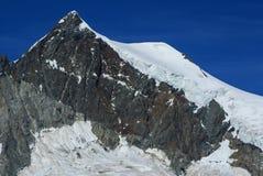 Paysage alpin de montagne d'Alpes chez Jungfraujoch, dessus de commutateur de l'Europe Photo stock