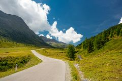Paysage alpin de route, Autriche photo stock