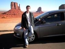 Paysage attrayant de voiture d'homme Photo stock