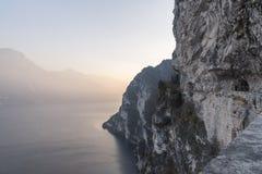 Paysage au-dessus de trentino Vally après coucher du soleil Photo libre de droits