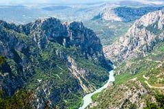 Paysage avec des montagnes et Verdon River Valley photos libres de droits