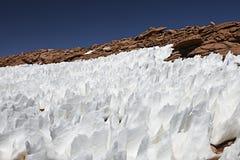 Paysage avec des structures de neige image stock