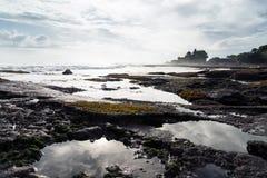 Paysage avec le temple de sort de Tanah Photographie stock libre de droits